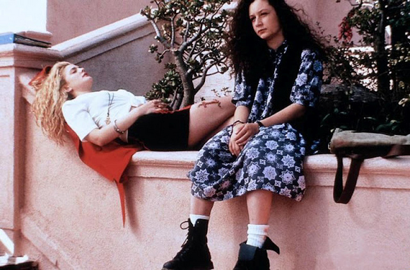 90s-fashion-drew-barrymore